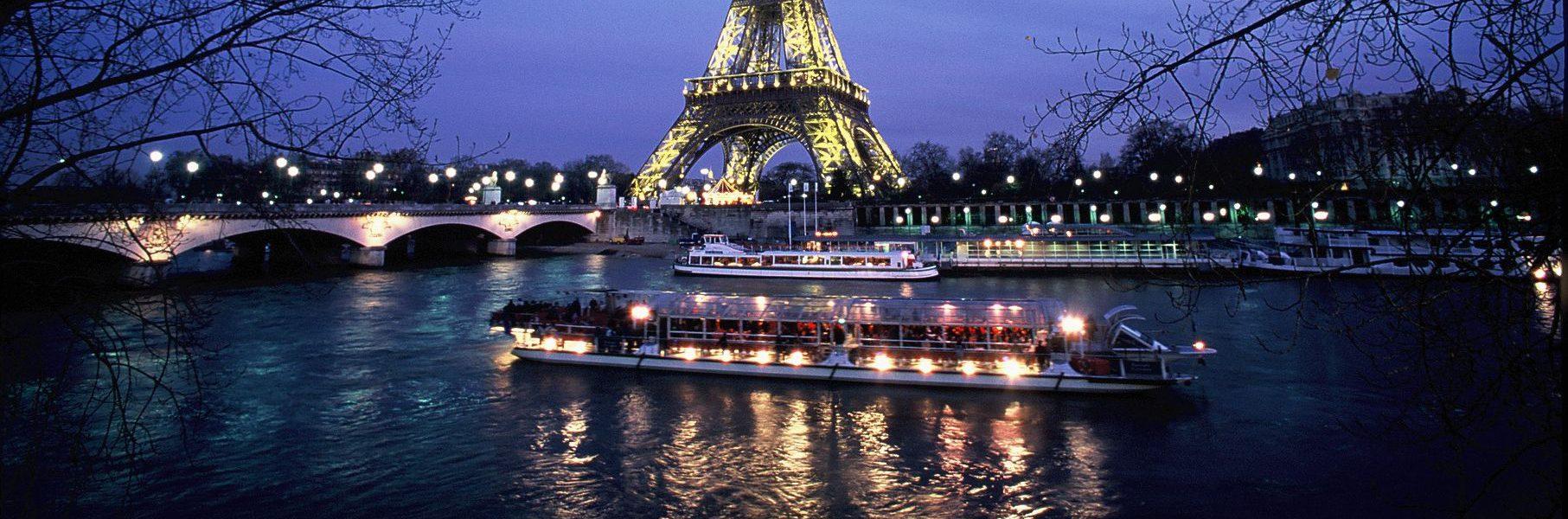 dinner cruise at bateaux parisiens dbp paris webservices. Black Bedroom Furniture Sets. Home Design Ideas